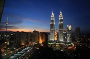 night view of the Twin Towers in Kuala Lumpu